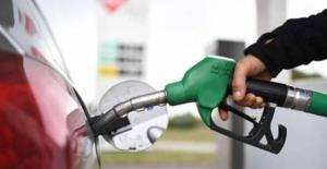 الحكومة: انخفاض أسعار المحروقات عالمياً