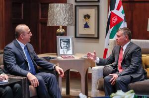 الملك يستقبل وزير الخارجية التركي