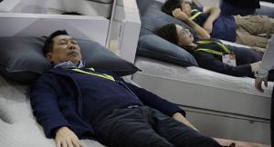 علماء يكتشفون العلاقة بين النوم وإدمان الكحول