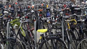 هولندا تبني أكبر مرآب دراجات في العالم