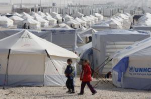 """اصابة سوري بانفجار """"قداحة"""" في الزعتري"""