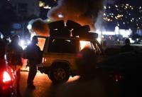 لبنان ..  المحتجون يواصلون قطع الطرقات في مختلف المناطق