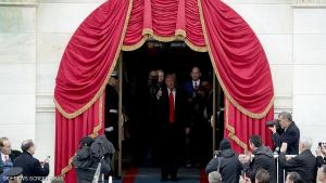 نصف مليون متظاهر على باب منزل ترامب