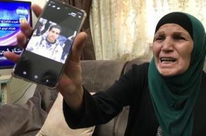 """والدة الشهيد الحلاق:"""":""""يمسكوه  .. يفتشوه ..  مش يقتلوه ويحرموني منه"""""""