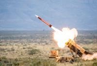 "الحوثيون يستهدفون ""خميس مشيط"" بصاروخ بالستي"