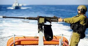 الاحتلال يعتدي على قوارب الصيادين في بحر شمال قطاع غزة