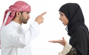 السعودية  .. طلقها ليلة زفافها بسبب سناب شات