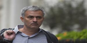 سكاي سبورتس: مانشستر يونايتد يعيّن مورينيو مدربًا للفريق