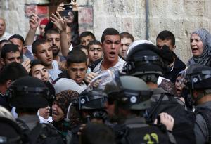 الإبعاد عن الأقصى لحراسه الأردنيين والحكومة صامتة