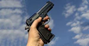 مقتل شاب خلال مشاجرة بالوحدات والقاتل بقبضة الأمن