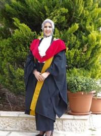 ليندا العدوان ..  مبارك الدكتوراه
