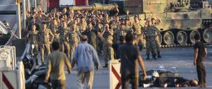 أرقام تفصيلية بأعداد الطائرات والعسكريين المشاركين بانقلاب تركيا