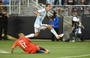 نهائي ثأري بين الأرجنتين وتشيلي