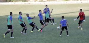 منتخب الكرة يستبعد 3 لاعبين من رحلة تايلند