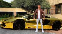 رونالدو أول ملياردير في عالم كرة القدم
