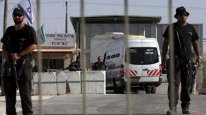 انتهاكات جديدة بسجون الإحتلال يرويها الأسرى