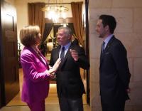 الملك يلتقي وفدا من الكونغرس الأمريكي