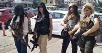 """فتيات عراقيات يتظاهرن بملابس """"PUBG"""" ضد حظر البرلمان للعبة (صور)"""