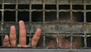 استشهاد أسير فلسطيني تعرض للضرب بسجون الاحتلال