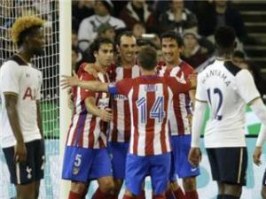 أتلتيكو مدريد وإشبيلية يوجهان صدمة مزدوجة لبرشلونة