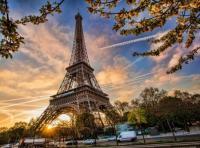 سماع دوي انفجار كبير في باريس وضواحيها