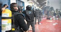 إصابات بين الأسرى باقتحام سجن عوفر