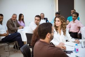 الملكة رانيا تلتقي عدداً من التربويين لبحث تحديات التعليم