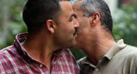 """""""الصحة"""" للأردنيين : لا تُقبّلوا"""