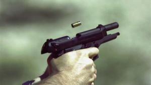 القبض على شخصين اطلقا النار على منزلين في اربد