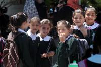 طلبة قطاع غزة يعودون إلى مقاعد الدراسة