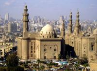 مصر: طبيب يهاجم مصلين في المسجد