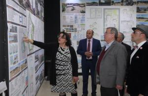 رئيس جامعة البترا يفتتح معرض مشاريع تخرج طلبة كلية العمارة والتصميم