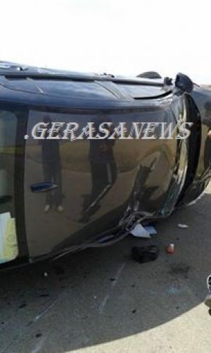 اربد ..  اصابة 3 طلاب كويتيين بحادث تدهور (صور)