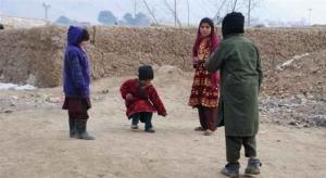 """مأساة دامية .. """"لعبة"""" تقتل 8 أطفال في أفغانستان"""
