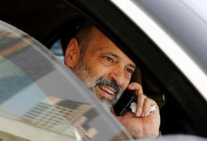 قرار مرتقب للرزاز بتخفيض رواتب الوزراء ووقف مكافآتهم