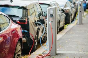 مبيعات مركبات الكهرباء للشهر الثاني صفر