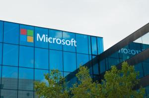 "موظف في ""مايكروسوفت"" يسرق 3 ملايين دولار"