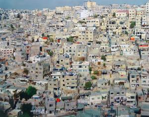 مطالبات بفتح طريق يربط حي القيسية مع منطقة الذراع الغربي