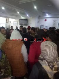 متعثرون من صندوق التنمية والتشغيل يعتصمون داخل وزارة العمل (صور)