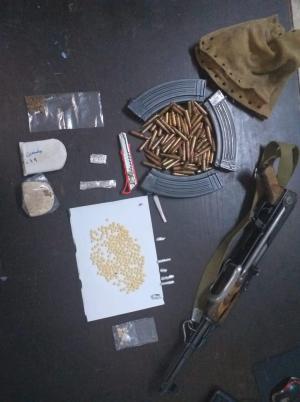القبض على مروجي مخدرات بالبادية الشمالية (صور)