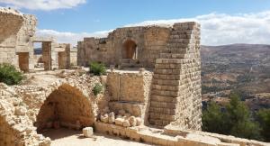 """أمام وزارة السياحة  ..  ملاحظات حول """" قلعة عجلون """""""