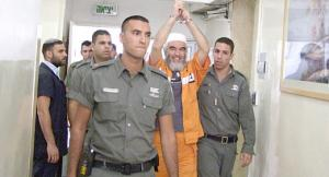 محكمة الإحتلال تنظر بتمديد اعتقال الشيخ رائد صلاح
