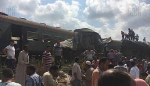 مصر: مقتل 41 شخصاً واصابة 133 بحادث تصادم مروع بين قطارين (صور)