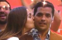 """بعد """"قبلة المونديال"""" ..  المُراسل المصري يروي ماحدث لاحقاً"""