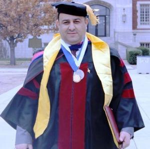 ما الذي دفع دكتور بجامعة اليرموك لإعلان نجاح جميع طلابه؟ (صورة)
