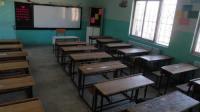 تخفيض التبرعات المدرسية للأردنيين