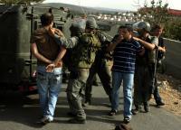 حملة اعتقالات تطال 25 فلسطينيا بالضفة الغربية