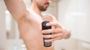 ماذا تقول رائحة الإبطين عن صحتك ؟