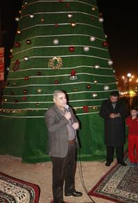 إضاءة شجرة الميلاد في الزرقاء (صور)
