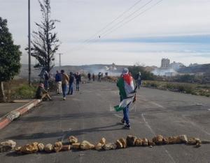 25 اصابة بمواجهات مع الاحتلال شمالي البيرة
